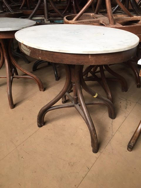 Oval Table Thonet ...